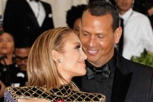 ¡Jennifer Lopez se refirió por primera vez a su compromiso con Alex Rodriguez!
