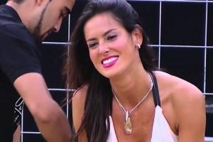 Adriana Barrientos es criticada por recientes publicaciones en bikini