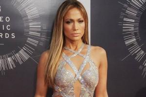 ¡Jennifer López impacta en Instagram con movimientos de Shakira!
