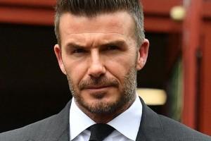 [FOTOS] Beckham pierde licencia de conducir por estar hablando por teléfono